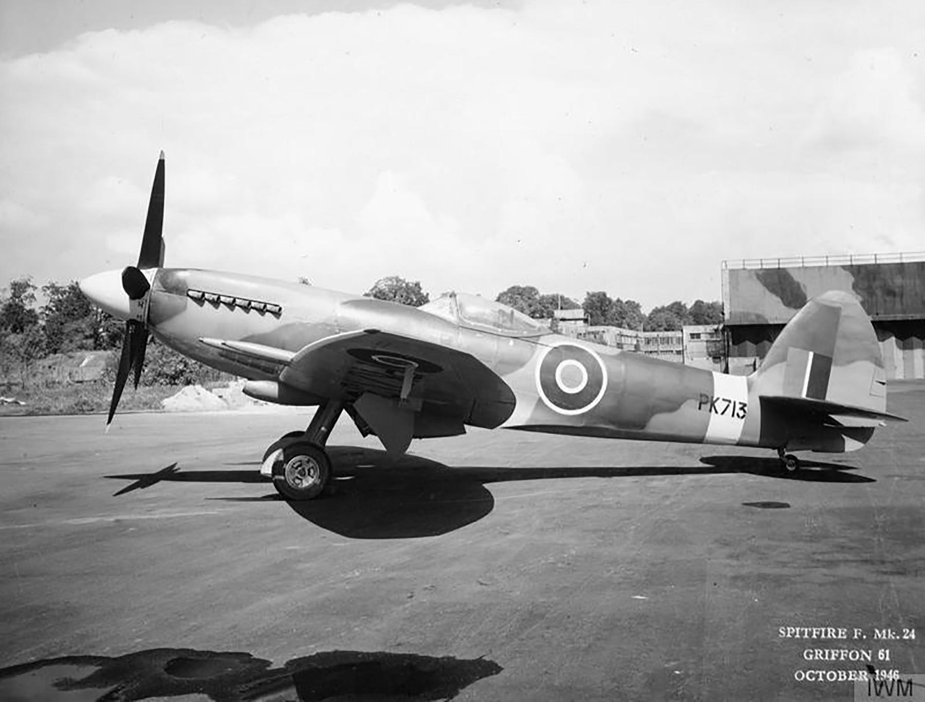 Spitfire F24 PK713 Oct 1946 01