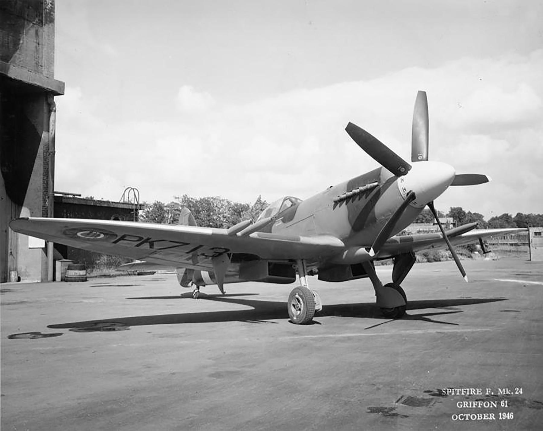 Spitfire F24 PK713 Oct 1946 02