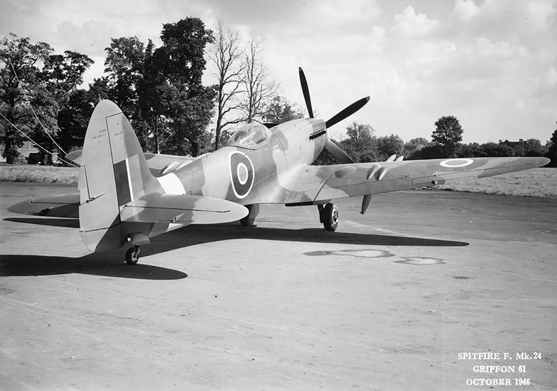 Spitfire F24 PK713 Oct 1946 03