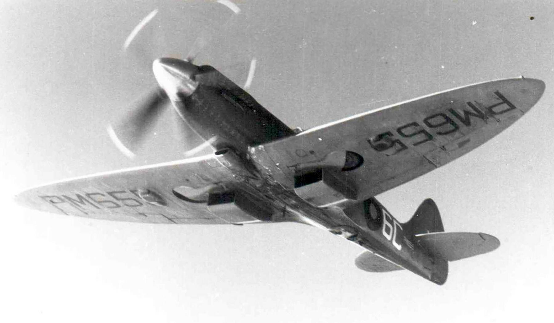 Spitfire PR19 Prototype RAF 541Sqn 6C PM655 Benson 1950 ebay 01