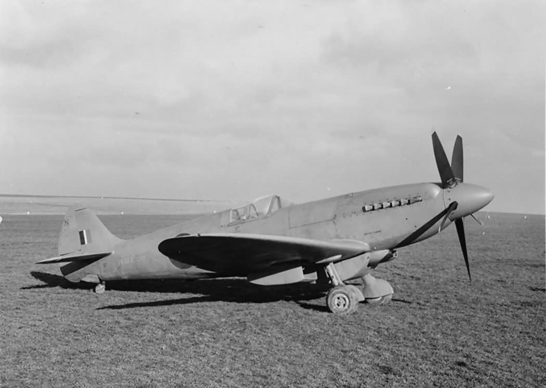 Spitfire PR19 RAF SW177 prototype long range tanks web 01