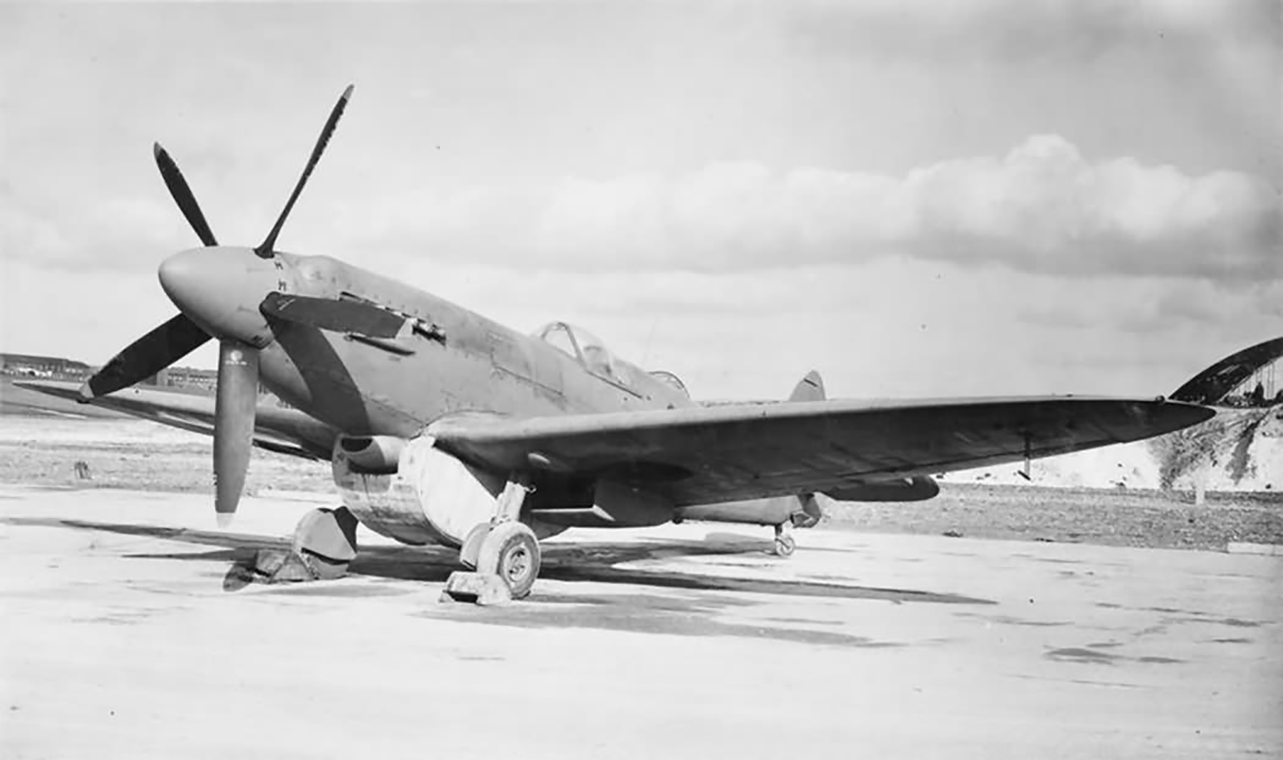 Spitfire PR19 fitted with long range tank web 01