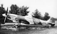 Asisbiz Spitfire PRXIX PS915 01