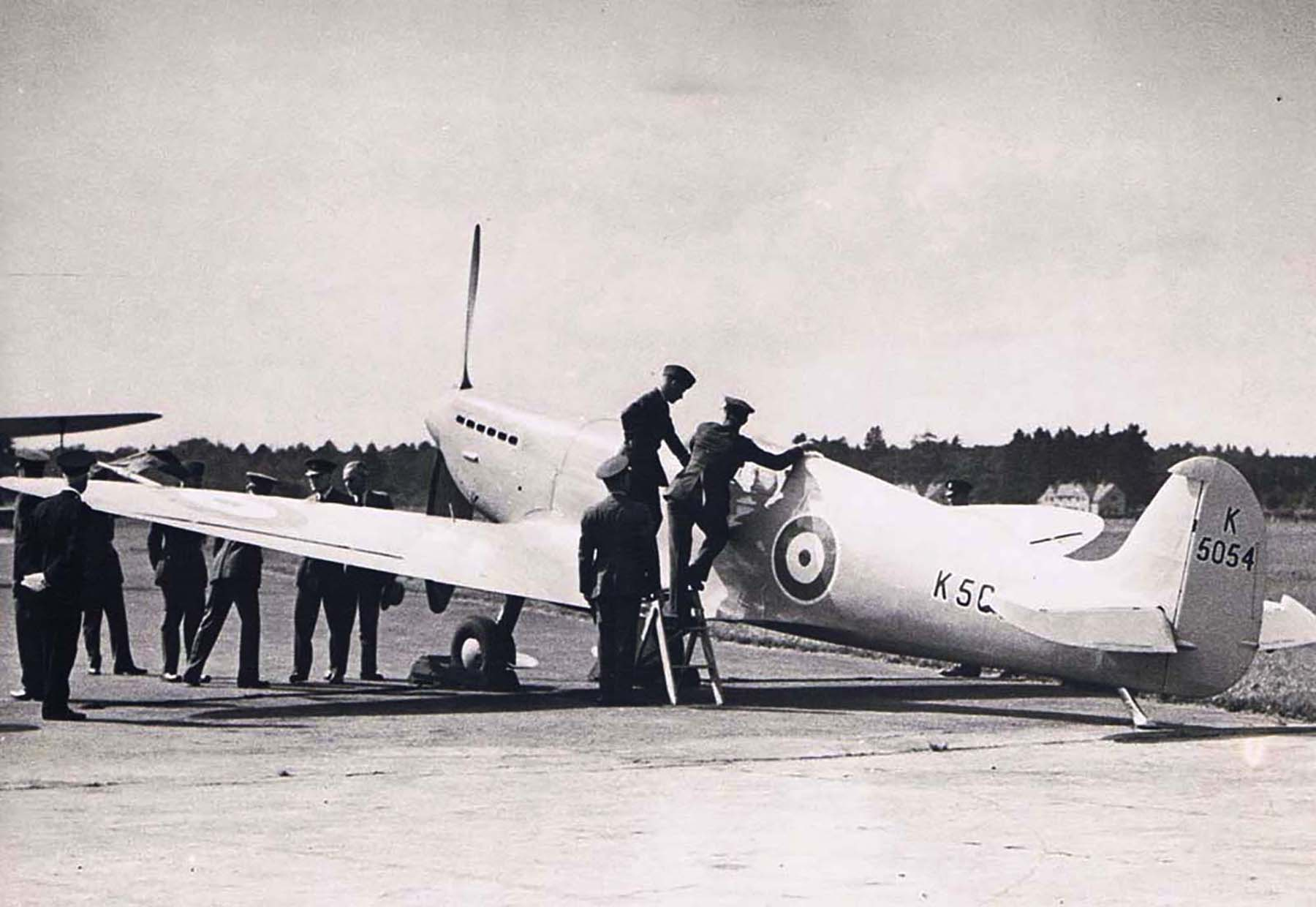 Spitfire 1 Prototype K5054 being inspected by King Edward VIII 1936 01
