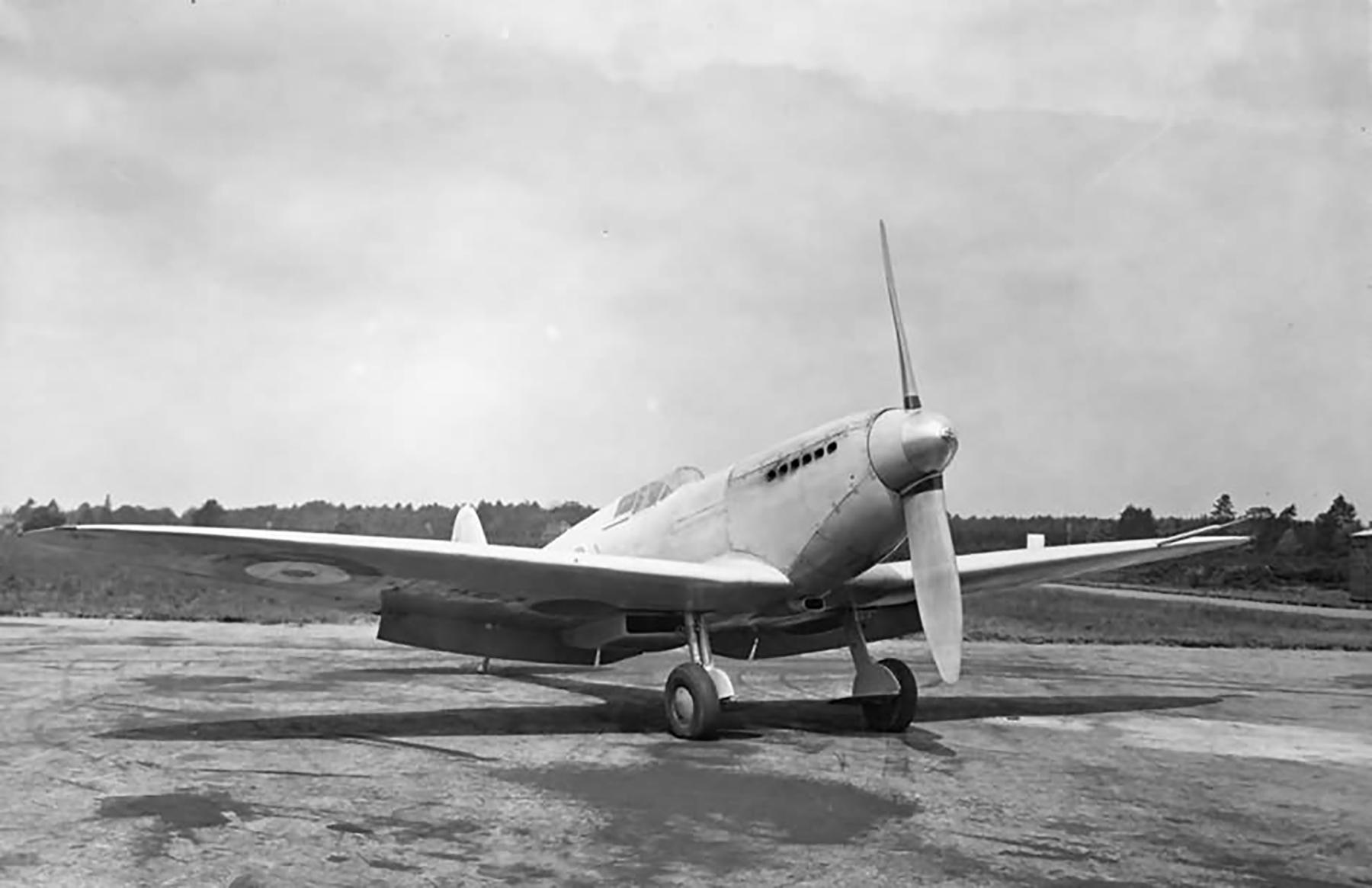 Spitfire 1 Prototype K5054 inspected by King Edward VIII 1936 07