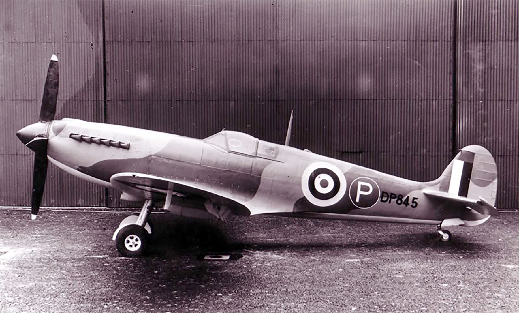 Spitfire 4 Prototype DP845 as the first Griffon Spitfire 01