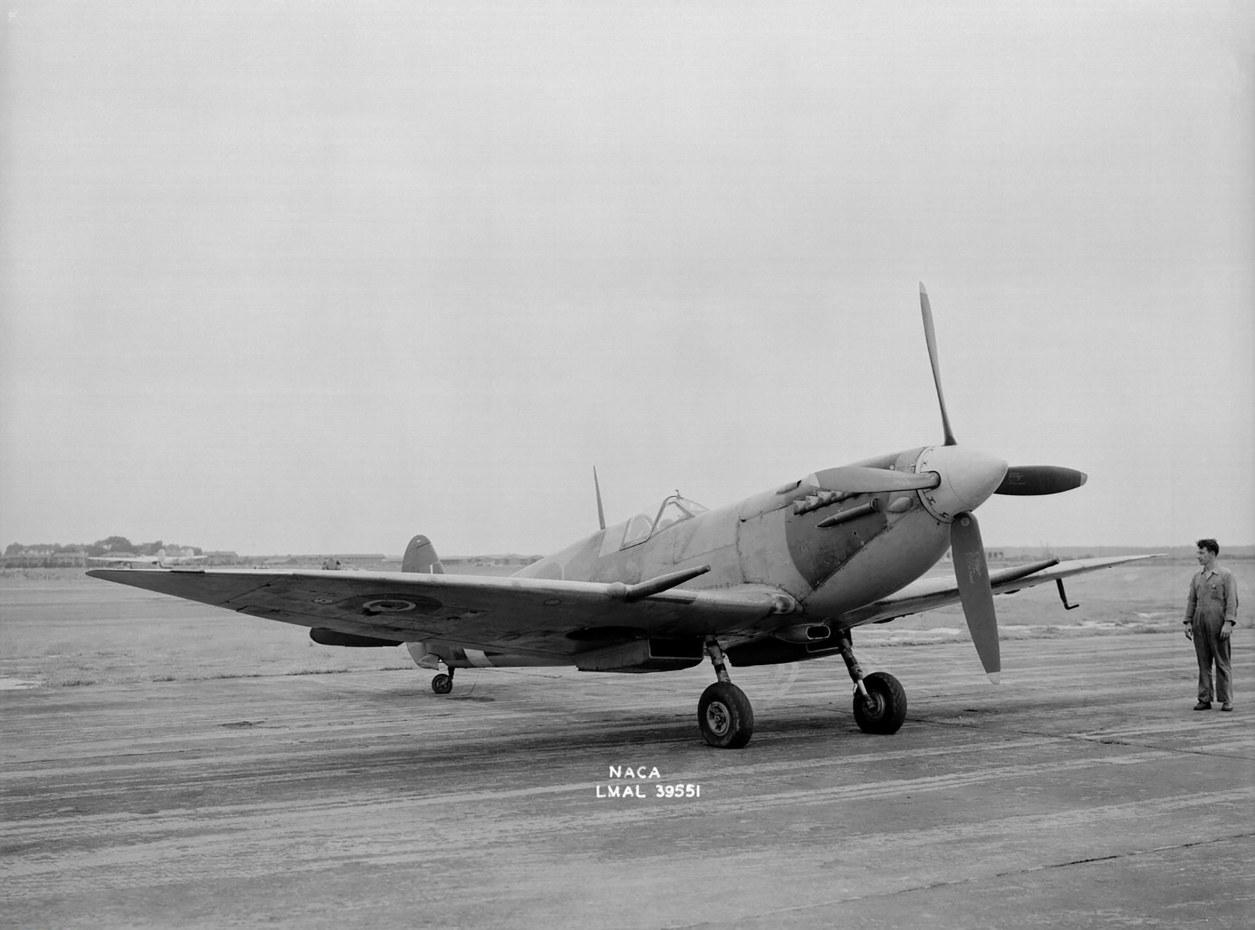 Spitfire 7 Langley USA 1944 02