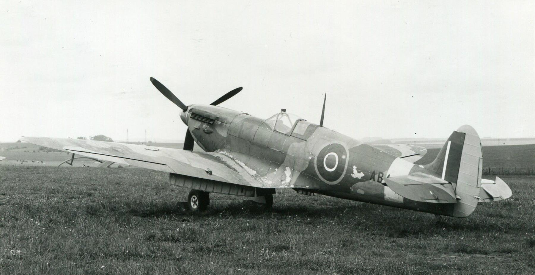 Spitfire 7 Proyotype AB4xx 01