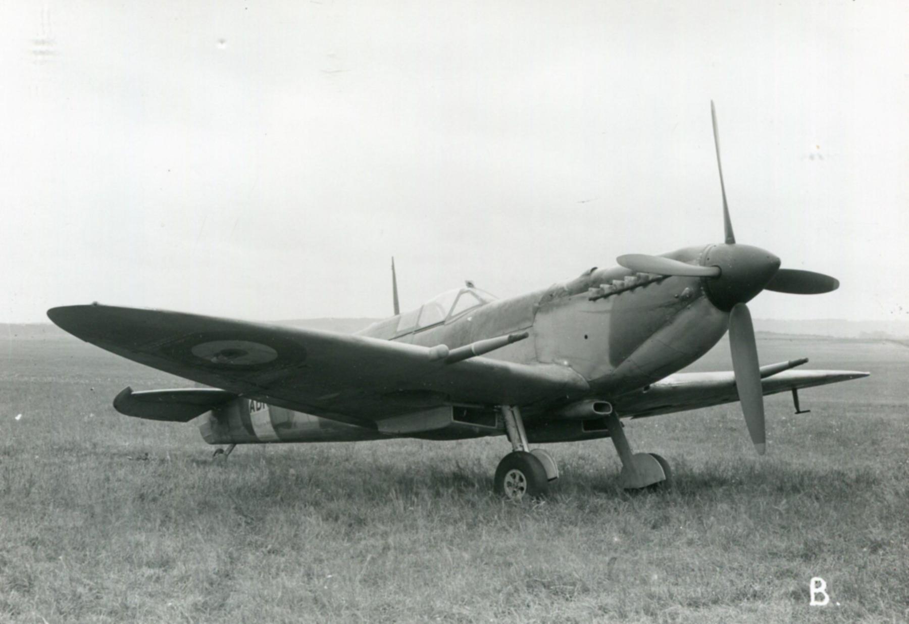 Spitfire 9 Proyotype trials England 02
