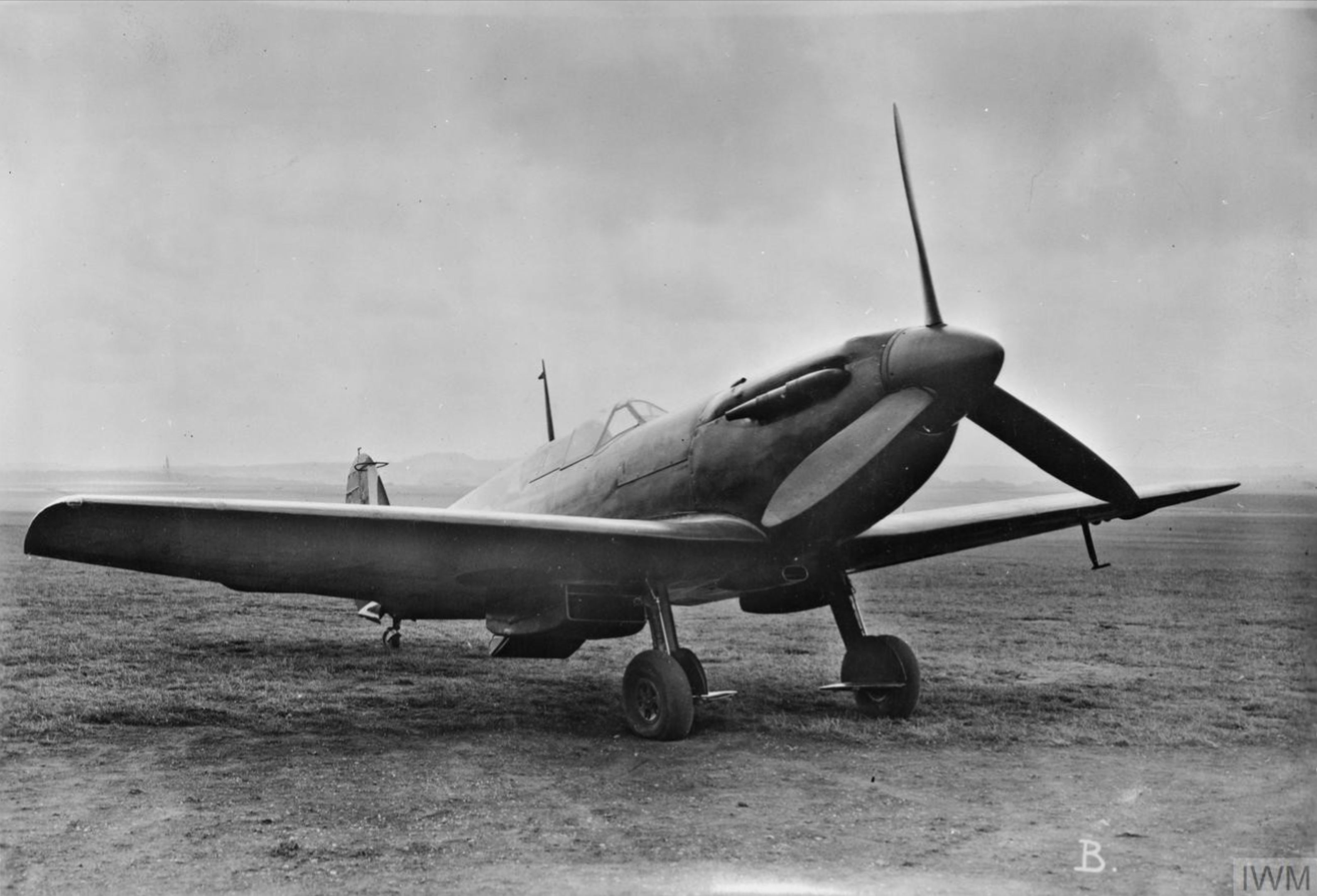 Spitfire F3 Prototype clipped wing version England IWM MH5785
