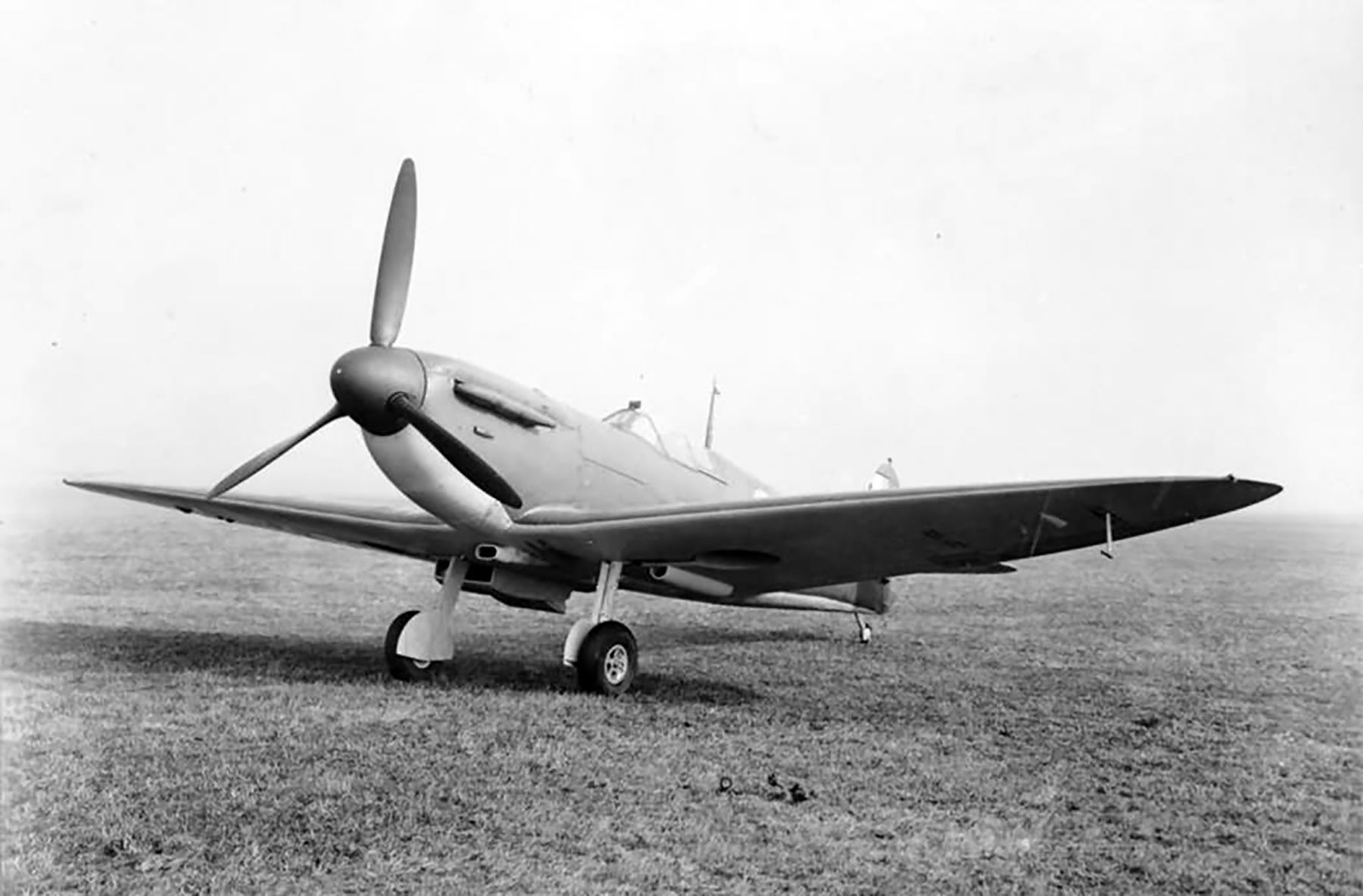 Spitfire MkIIa Prototype England web 01