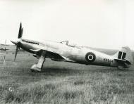 Asisbiz Spiteful prototypes NN664 England early 1945 02