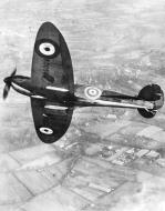 Asisbiz Spitfire 1 Prototype K5054 in flight over England 1939 01
