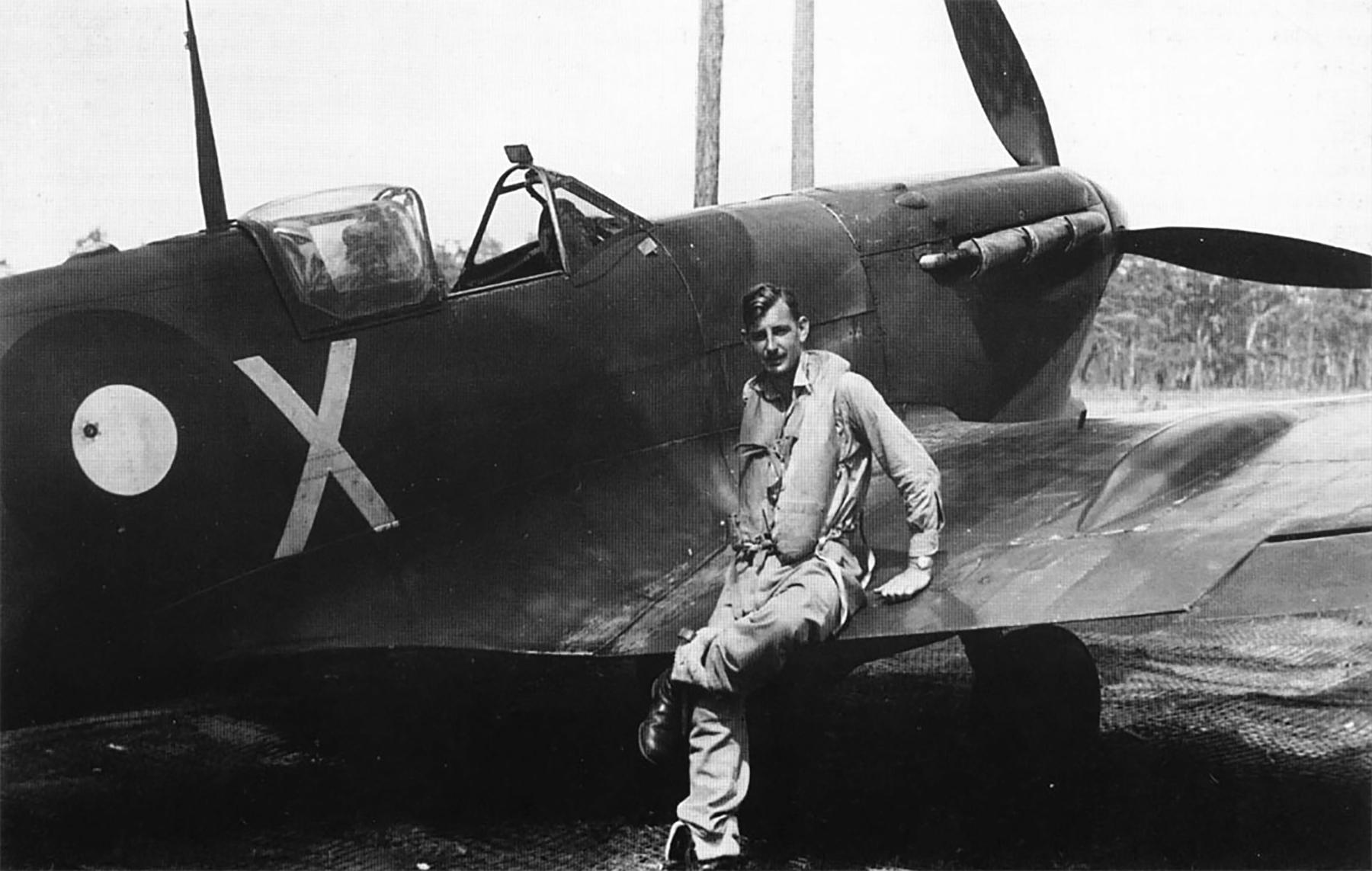 Spitfire MkVcTrop RAAF 452Sqn QYX Darwin 1943 01