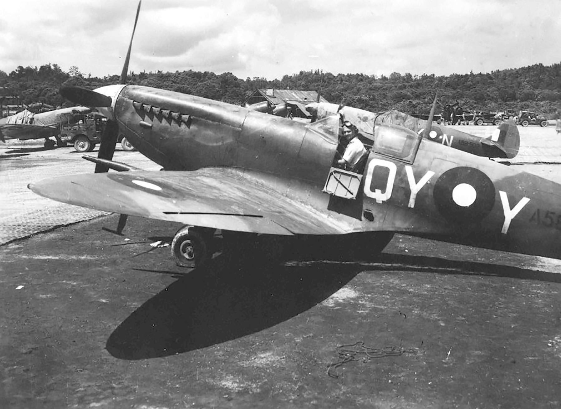 Spitfire QYY A58 xxx and QYN A58 502 01