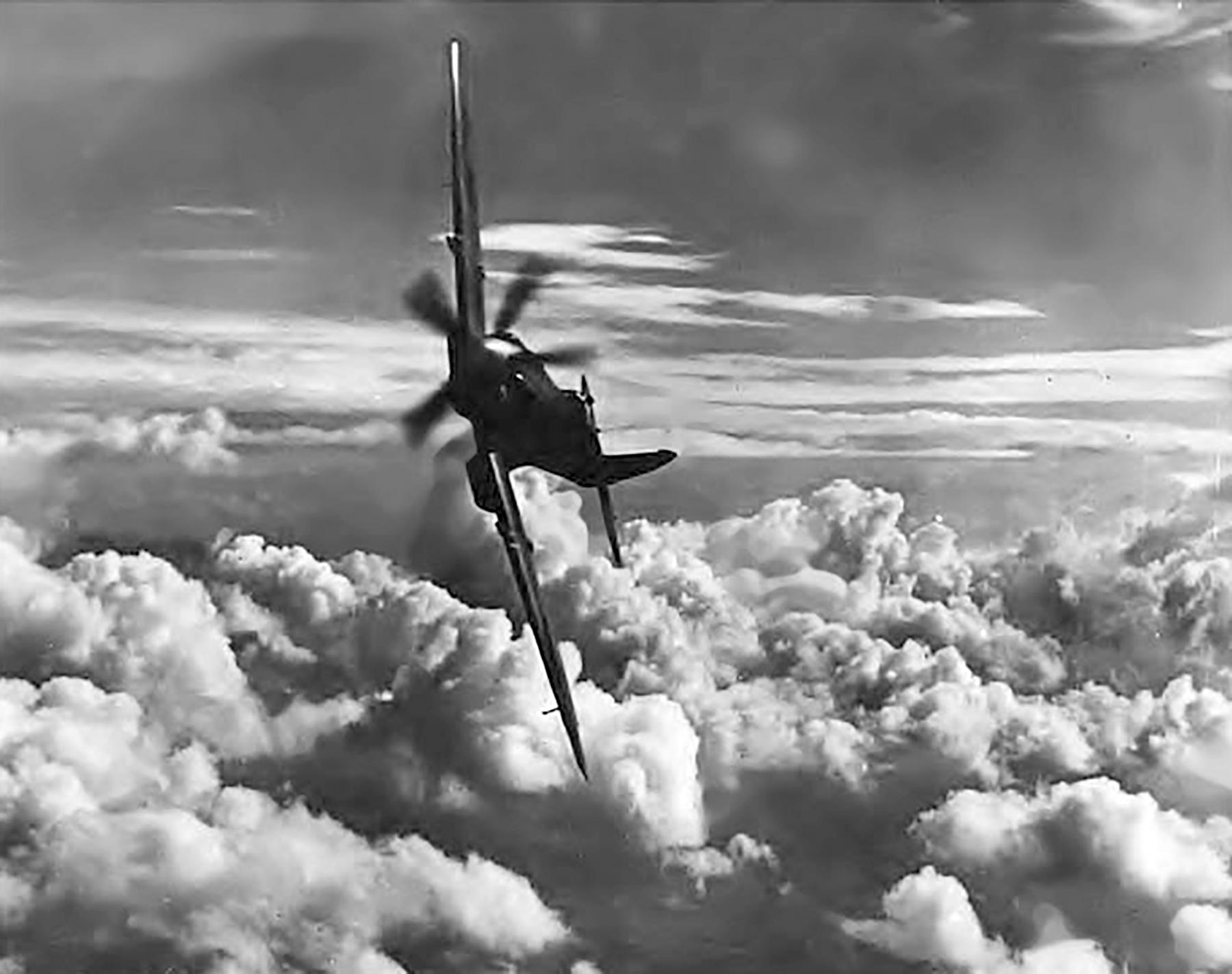 Spitfire RAAF 452Sqn Spitfire banking 01