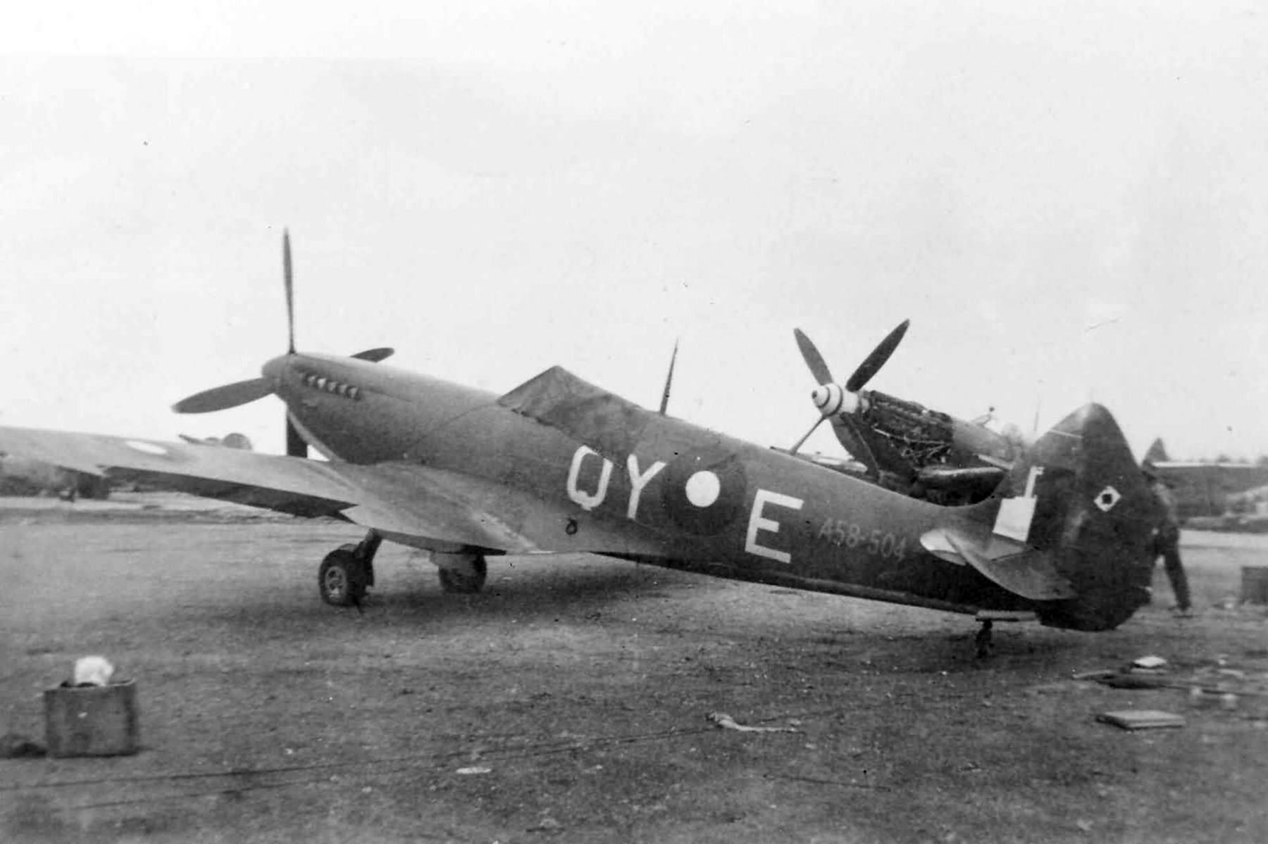 Spitfires MkVIII RAAF 452Sqn QYE A58 504 01