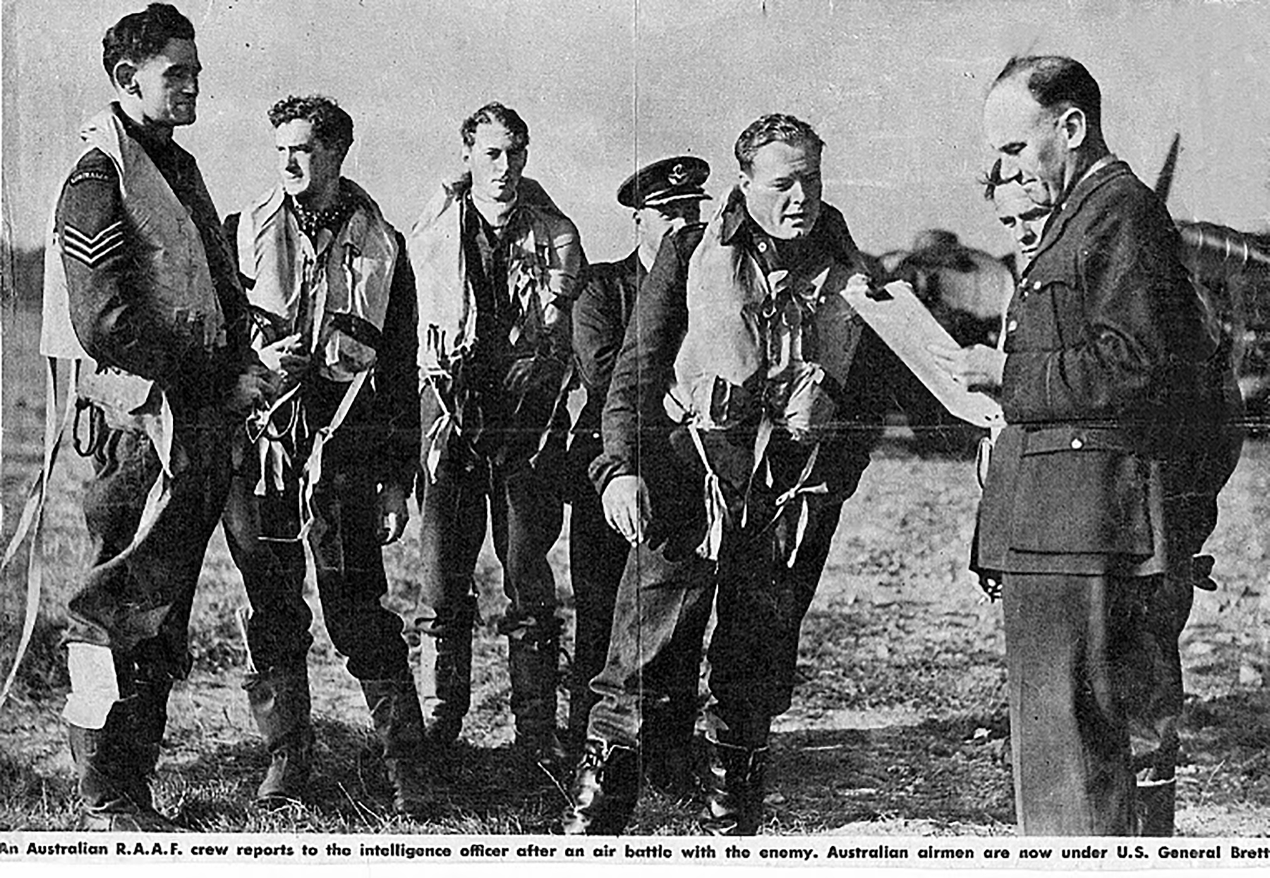 UK service Aircrew RAAF 452 Squadron pilots and IO 01