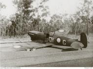 Asisbiz Spitfire MkVcTrop RAAF 452Sqn QYG landing mishap Darwin 1943 AWM P00407