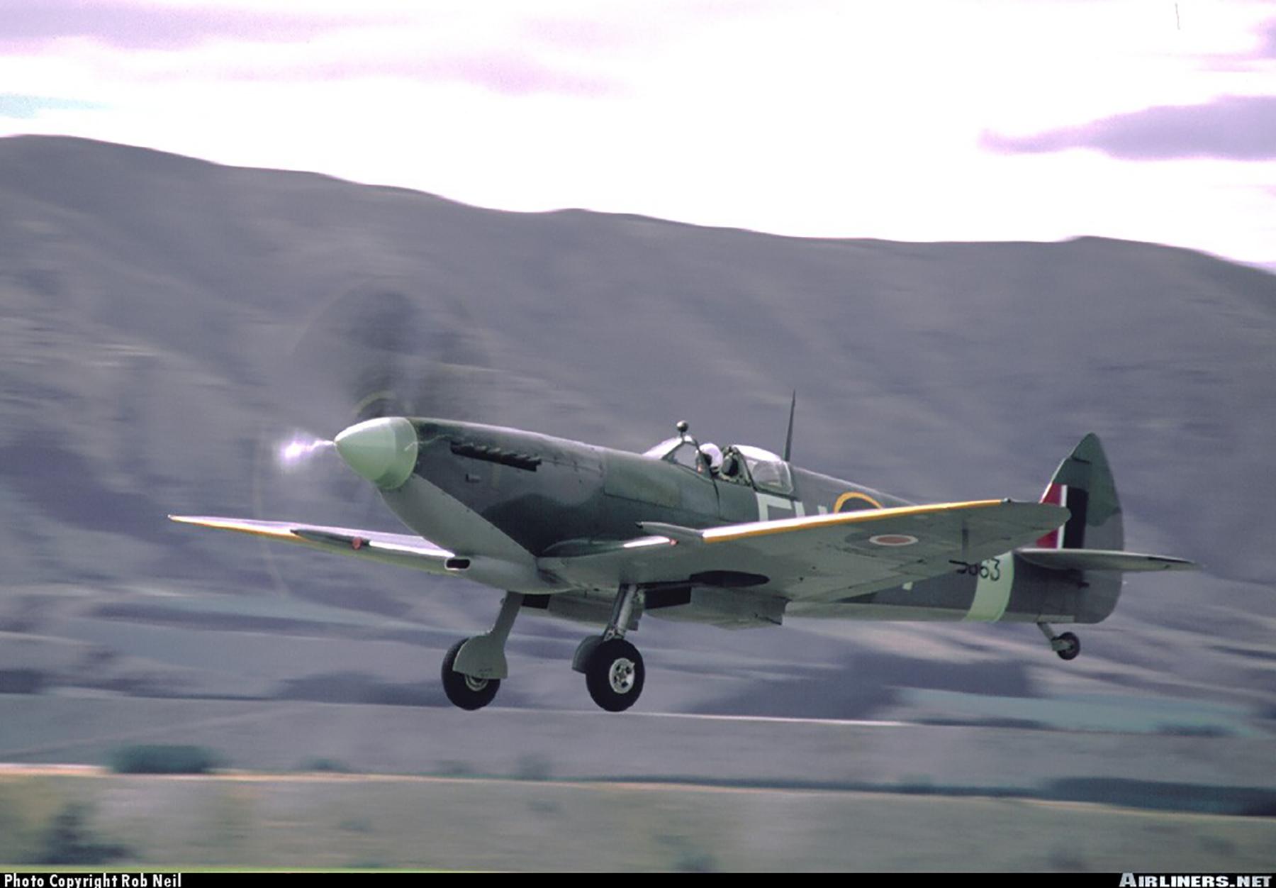 Airworthy Spitfire warbird LFXVI RAAF 453Sqn FUP TB863 05