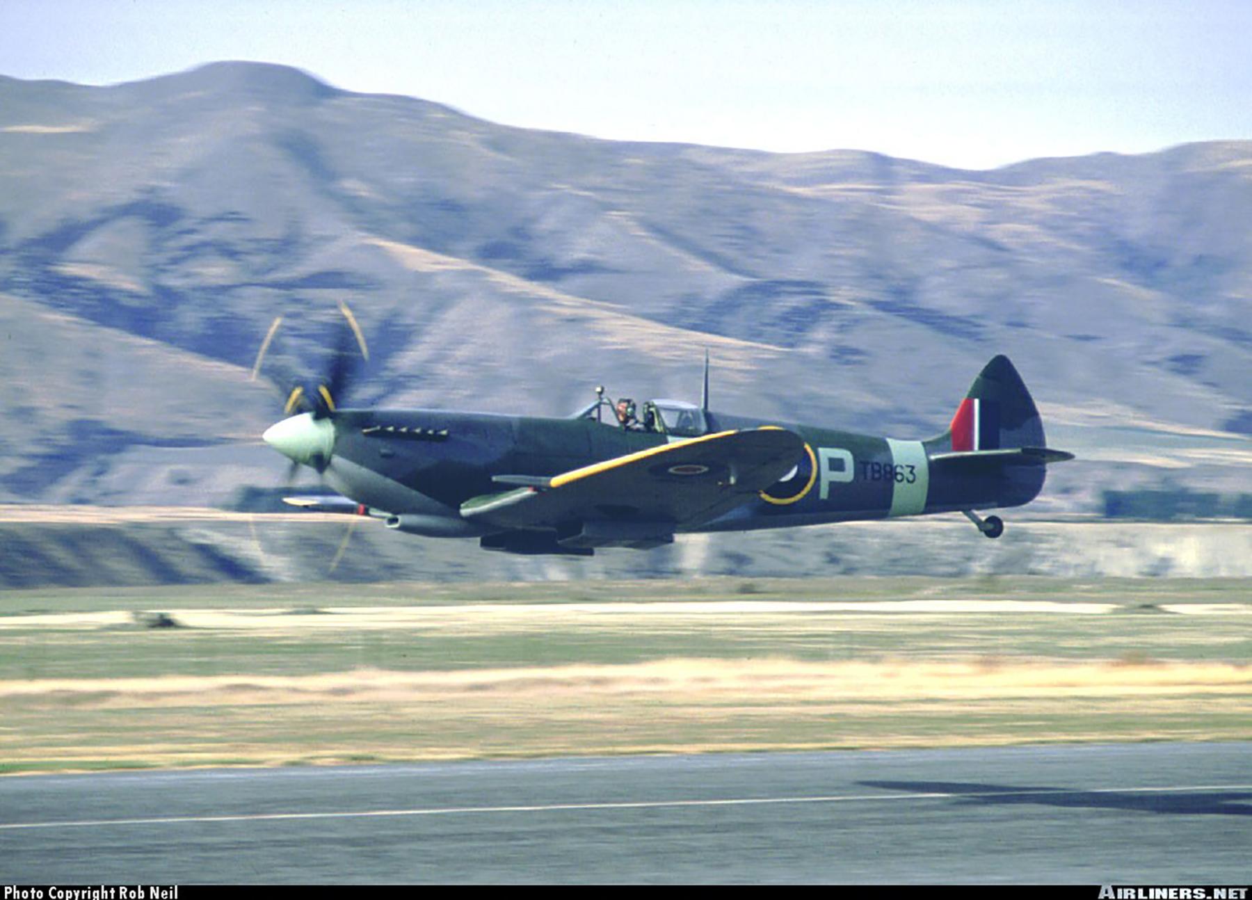 Airworthy Spitfire warbird LFXVI RAAF 453Sqn FUP TB863 06