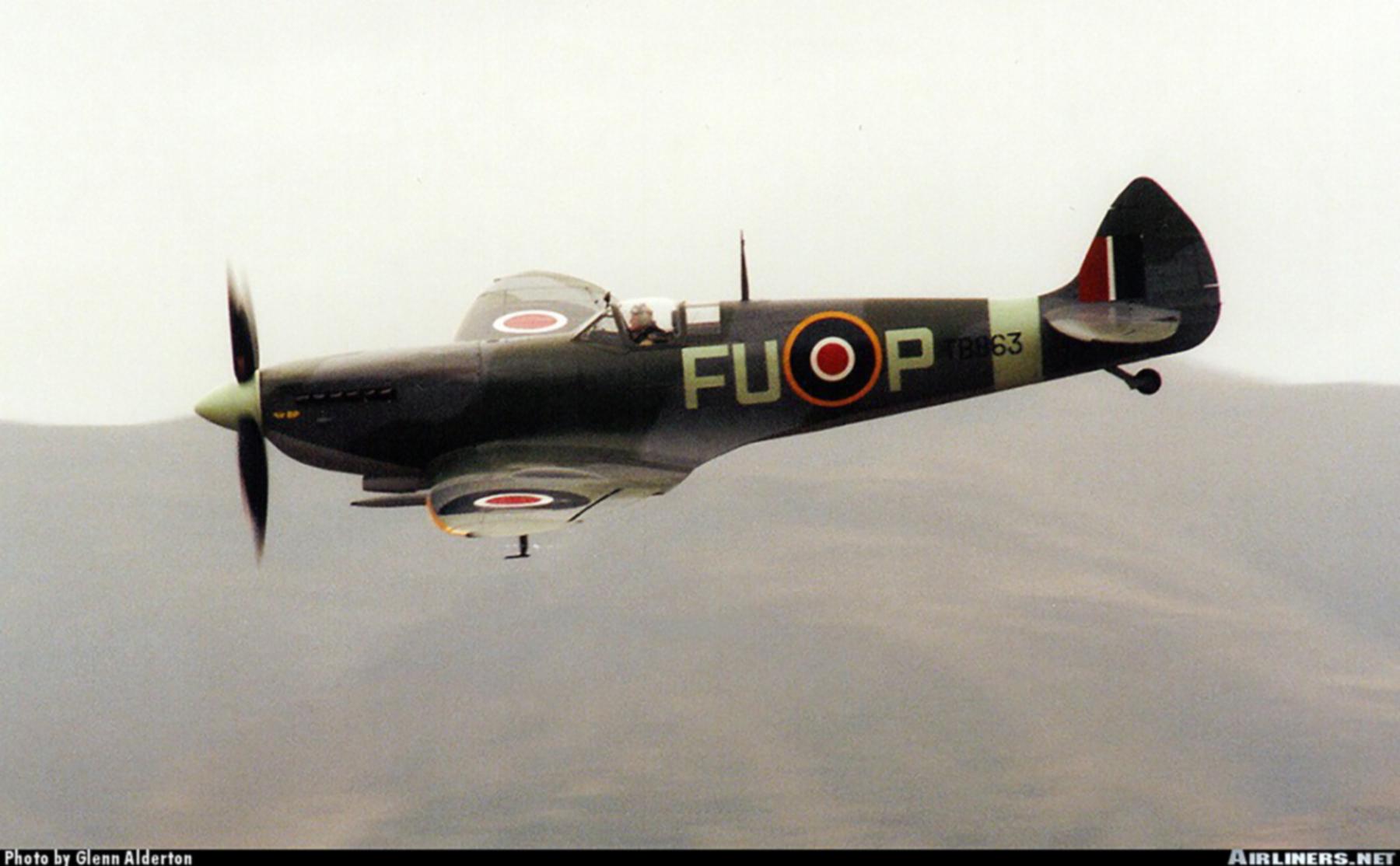 Airworthy Spitfire warbird LFXVI RAAF 453Sqn FUP TB863 07