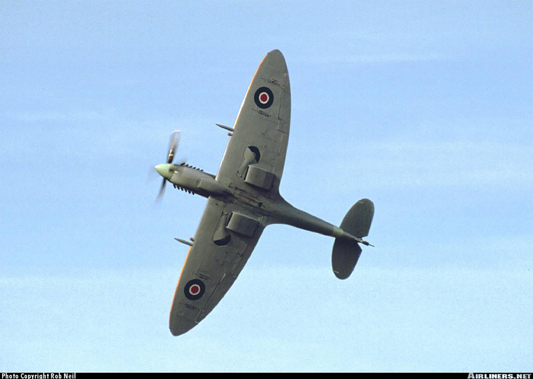 Airworthy Spitfire warbird LFXVI RAAF 453Sqn FUP TB863 10