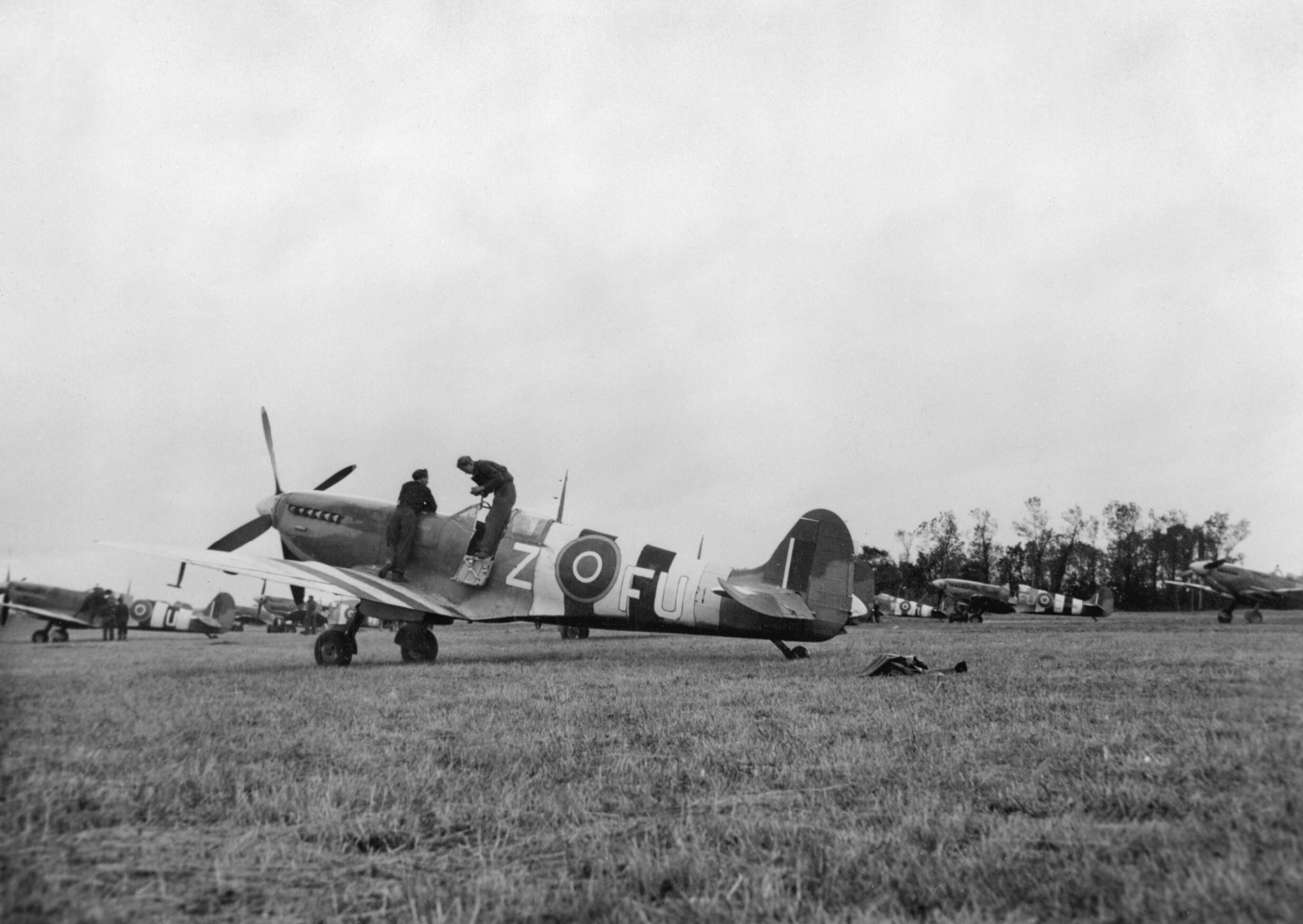 Spitfire MkIXb RAAF 453Sqn FUZ after landing at Ford Sussex 1944 IWM MH6847