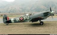 Asisbiz Airworthy Spitfire warbird LFXVI RAAF 453Sqn FUP TB863 08