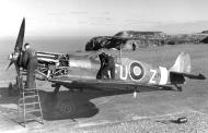 Asisbiz Spitfire MkVb RAAF 453Sqn FUZ EP6 01