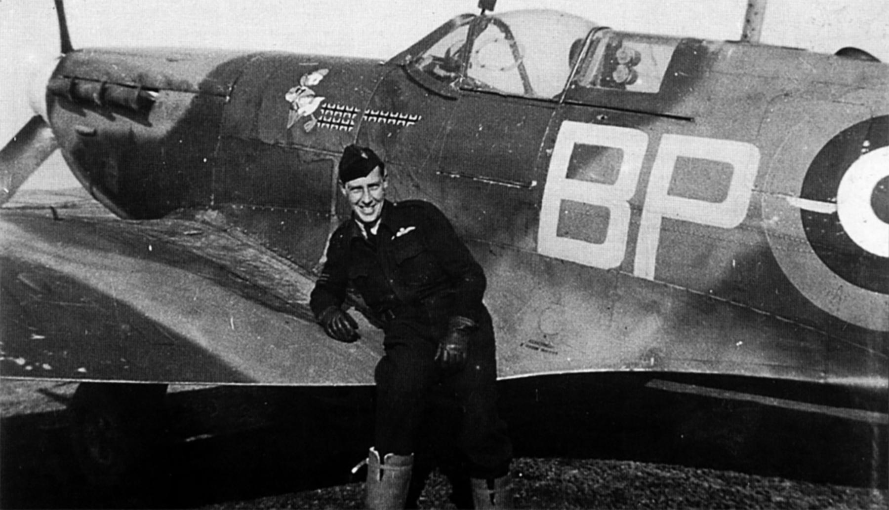 Spitfire MkVb RAAF 457Sqn BPH John AA Gibson BL351 England Dec 1941 01