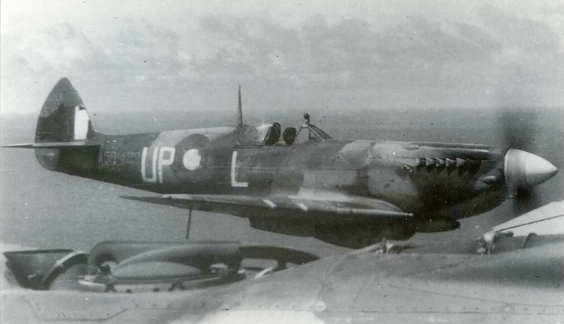 Spitfire LFVIII RAAF 79Sqn UPL A58 489 over PNG 1944 01