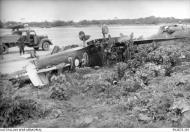 Asisbiz Spitfire MkVc RAAF 79Sqn UPG A58 178 landing accident Kiriwina 12 Jan 1944 AWM 02