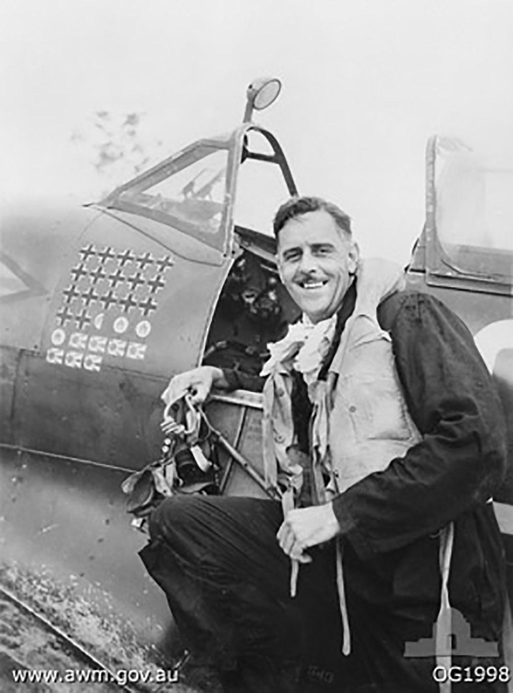 Aircrew RAAF Grp Capt Clive R Caldwell Morotai 1944 02