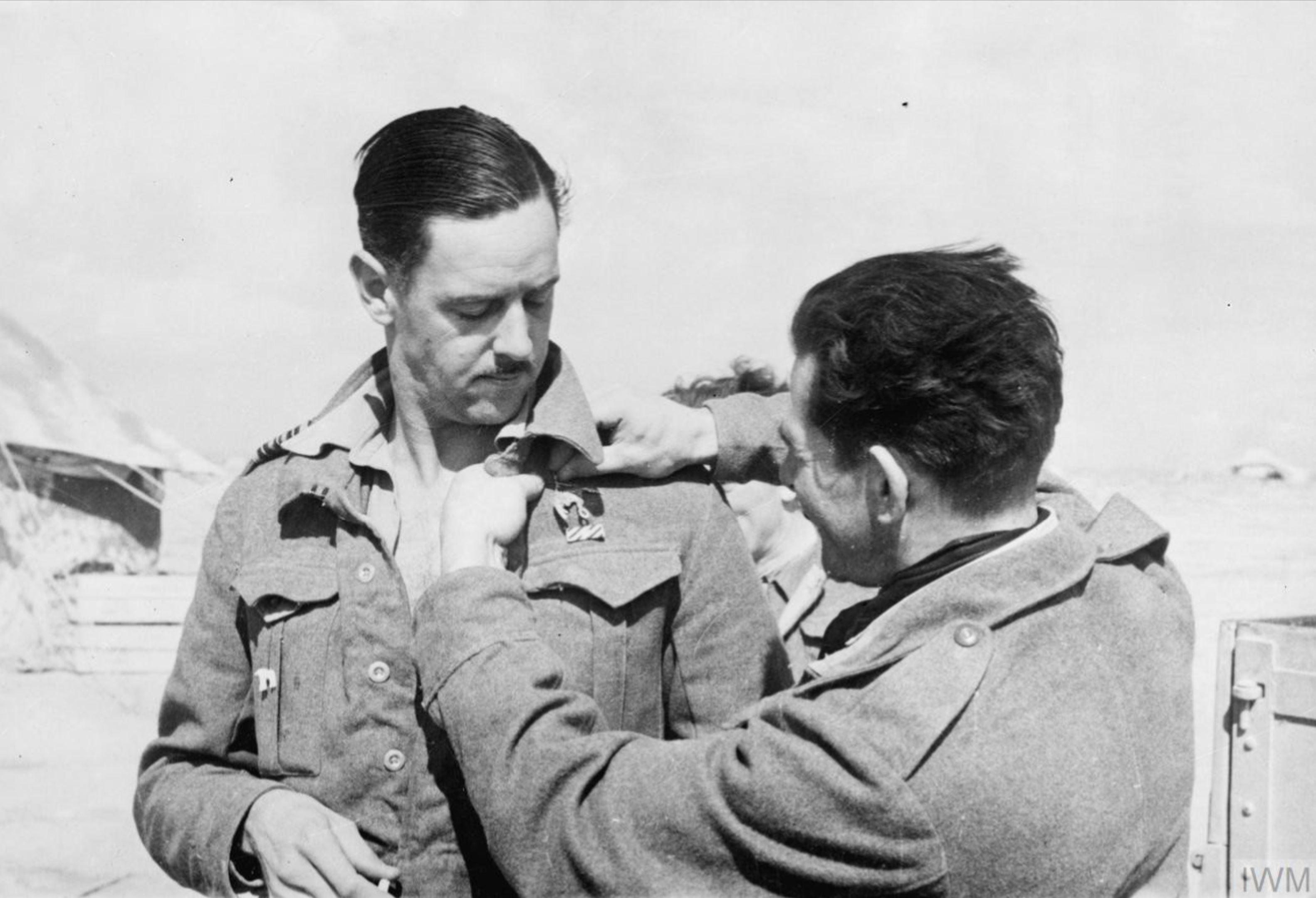 Aircrew RAF 112Sqn RAAF Sqn Ldr Clive Caldwell at Gambut 24 Mar 1942 IWM CM2419
