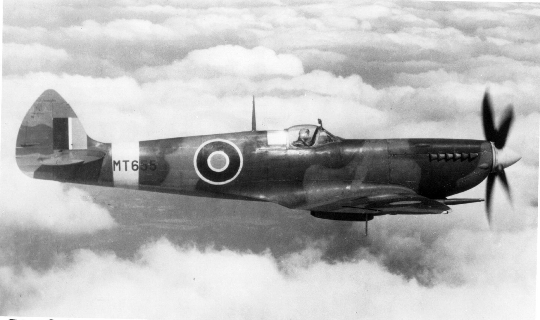 Spitfire MkVIII MT655 later as RAAF as A58 520 01