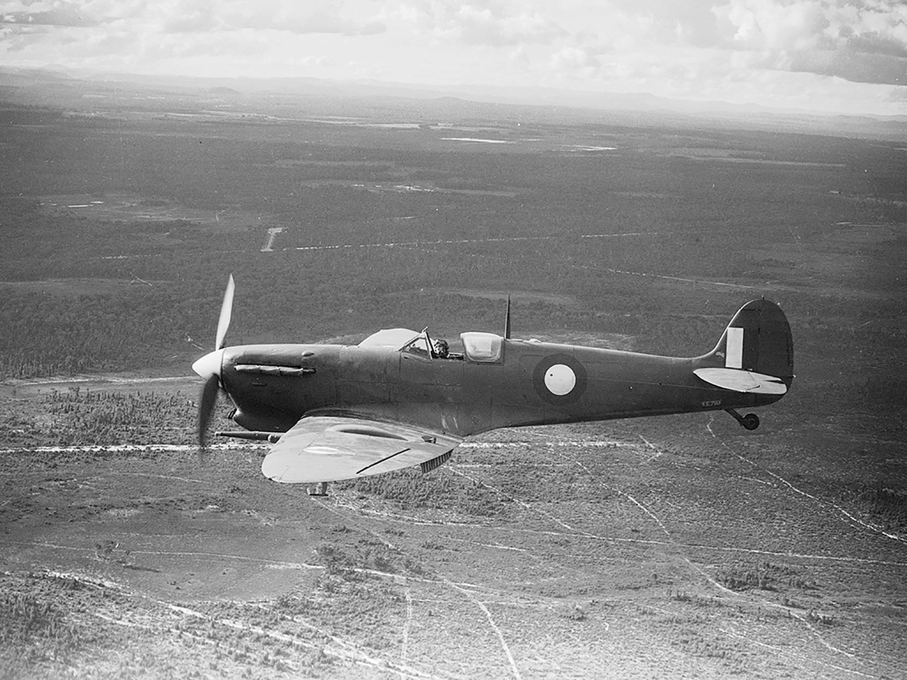 Spitfire MkVcTrop RAAF A58 125 EE719 01
