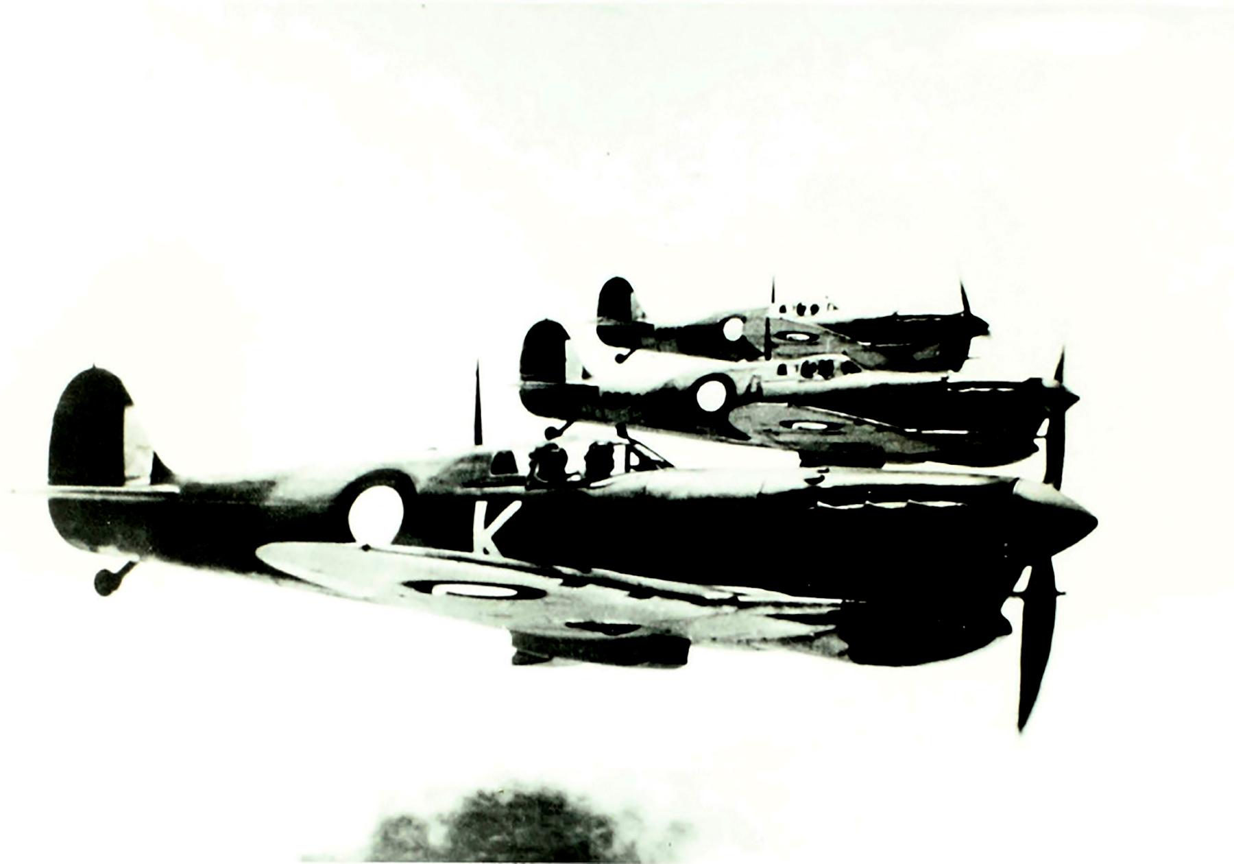 Spitfire MkVcTrop RAAF on patrol 01