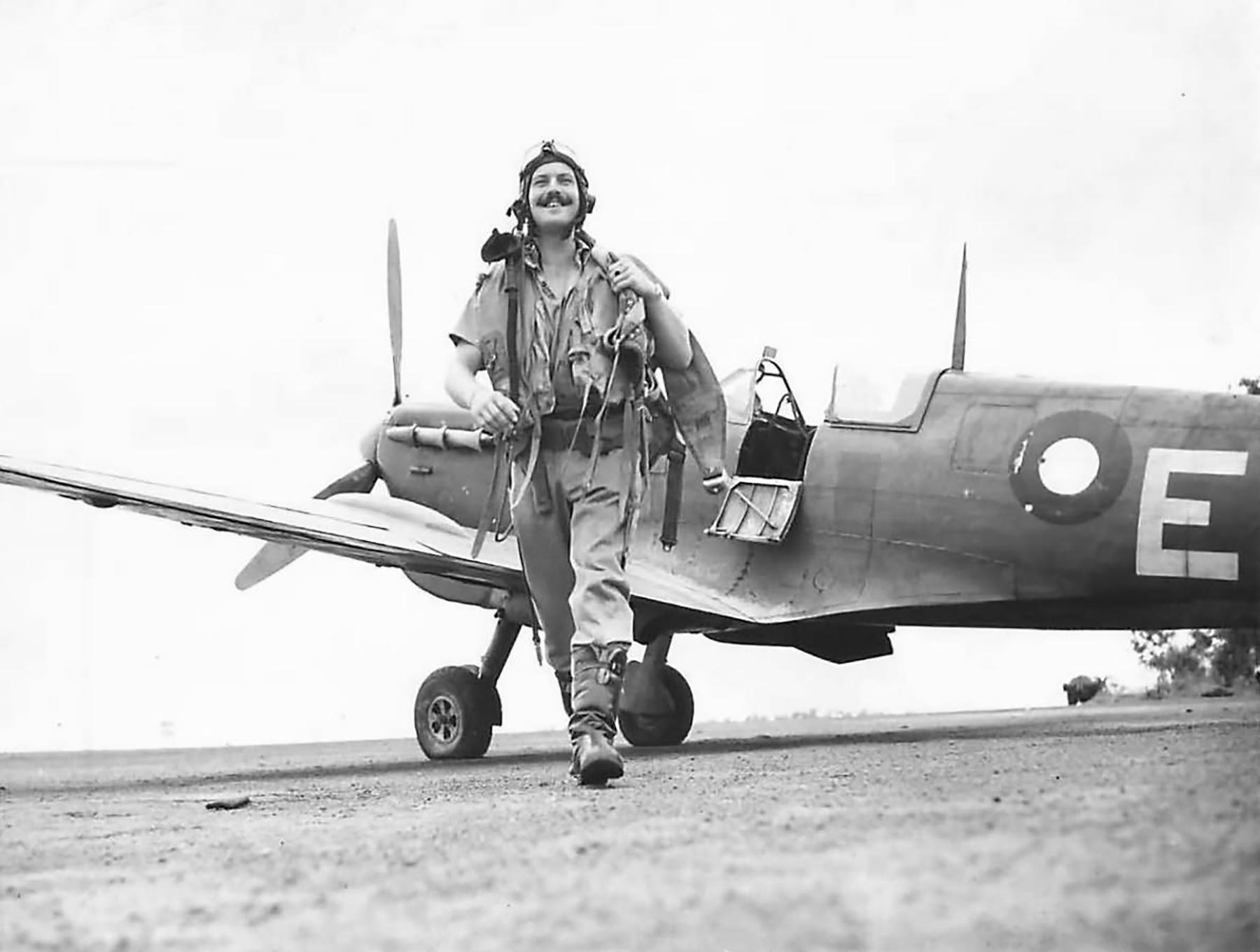 Spitfire MkVcTrop RAF 54Sqn E FO Ian Taylor Australia 1943 01