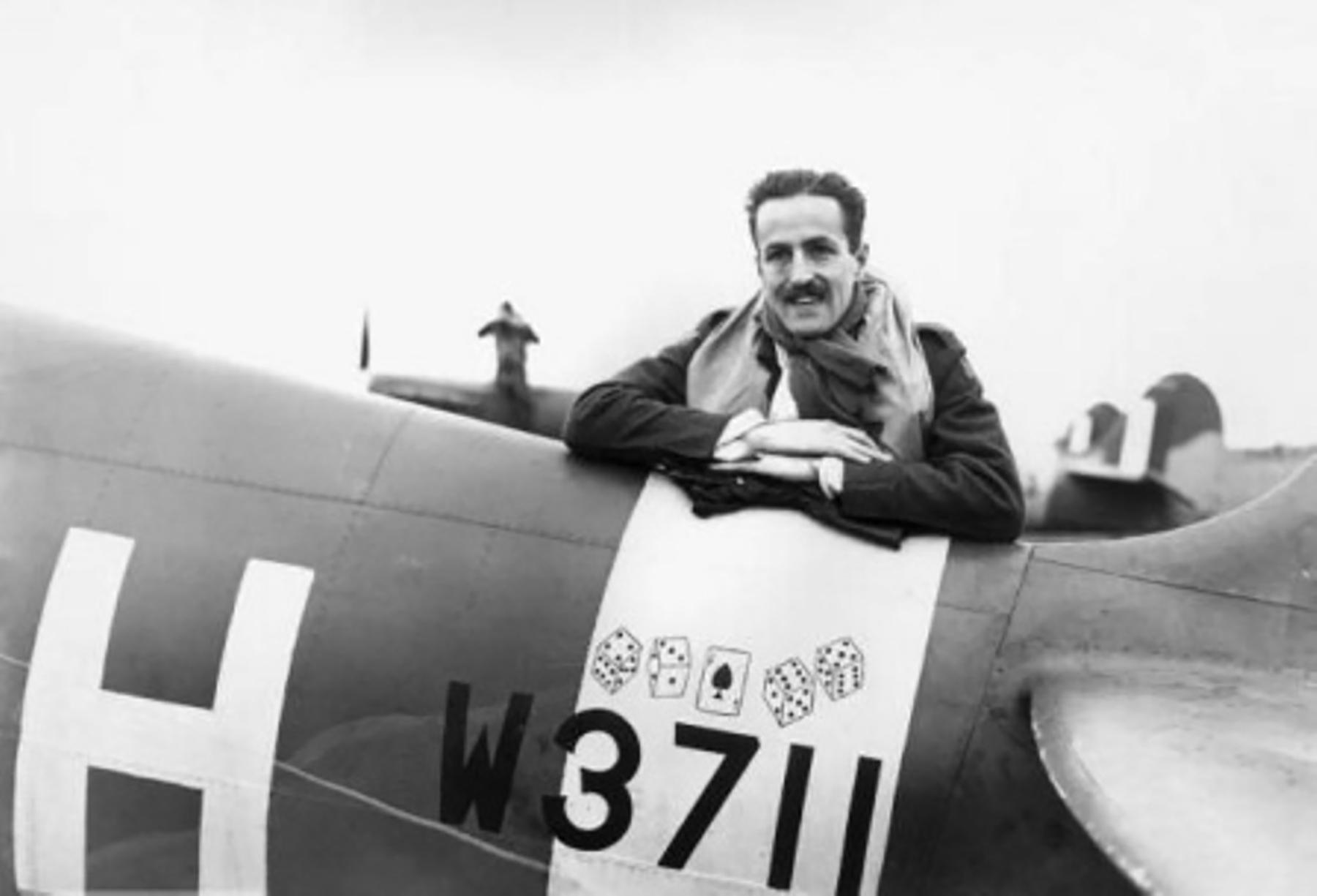 Spitfire MkVb RAF 121Sqn AVH W3711 Richard Fuller Patterson 1941 01