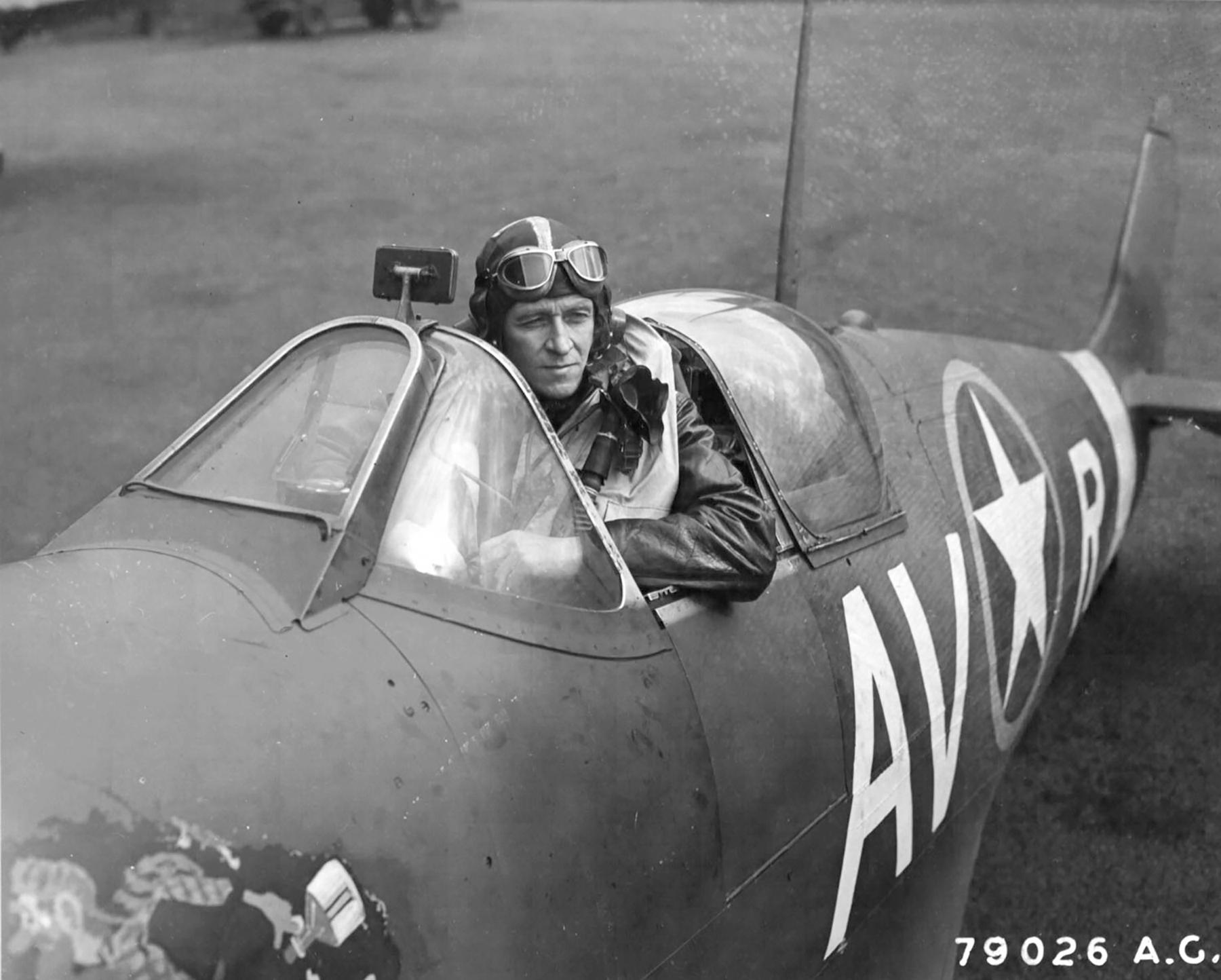 Spitfire MkVb RAF 121Sqn AVR BM590 Capt Don Willis 01
