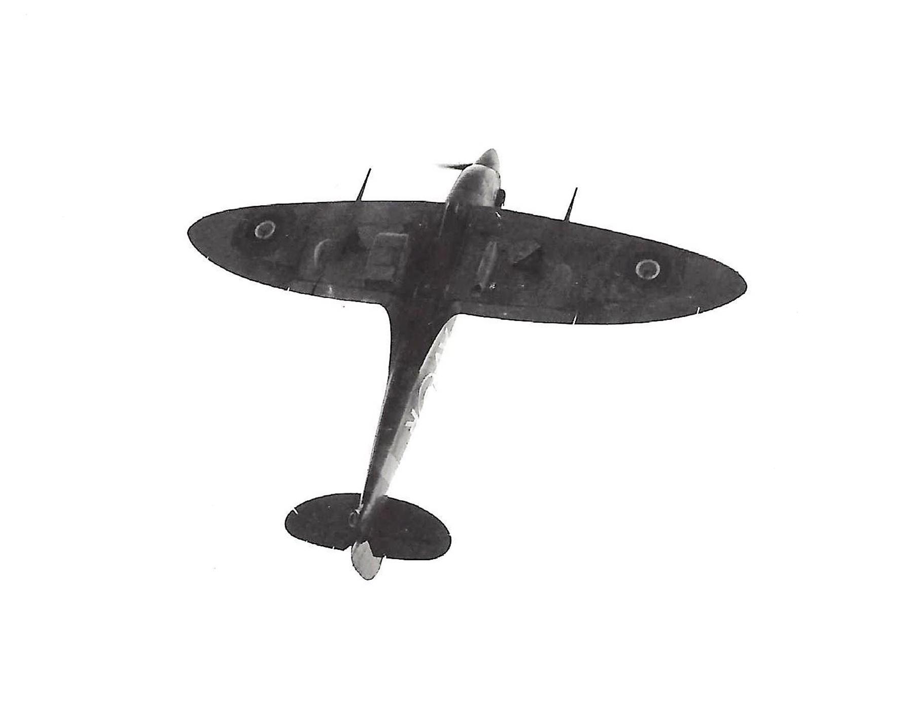 Spitfire MkVb RAF 121Sqn AVR Olga BM590 Debden Essex later USAAF 4FG Dec 1941 03