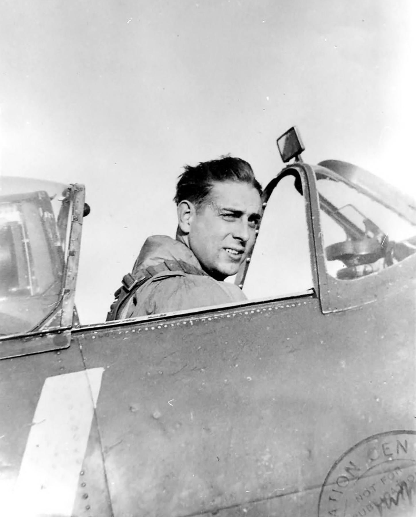 Spitfire MkVb RAF 121Sqn George Carpenter 01