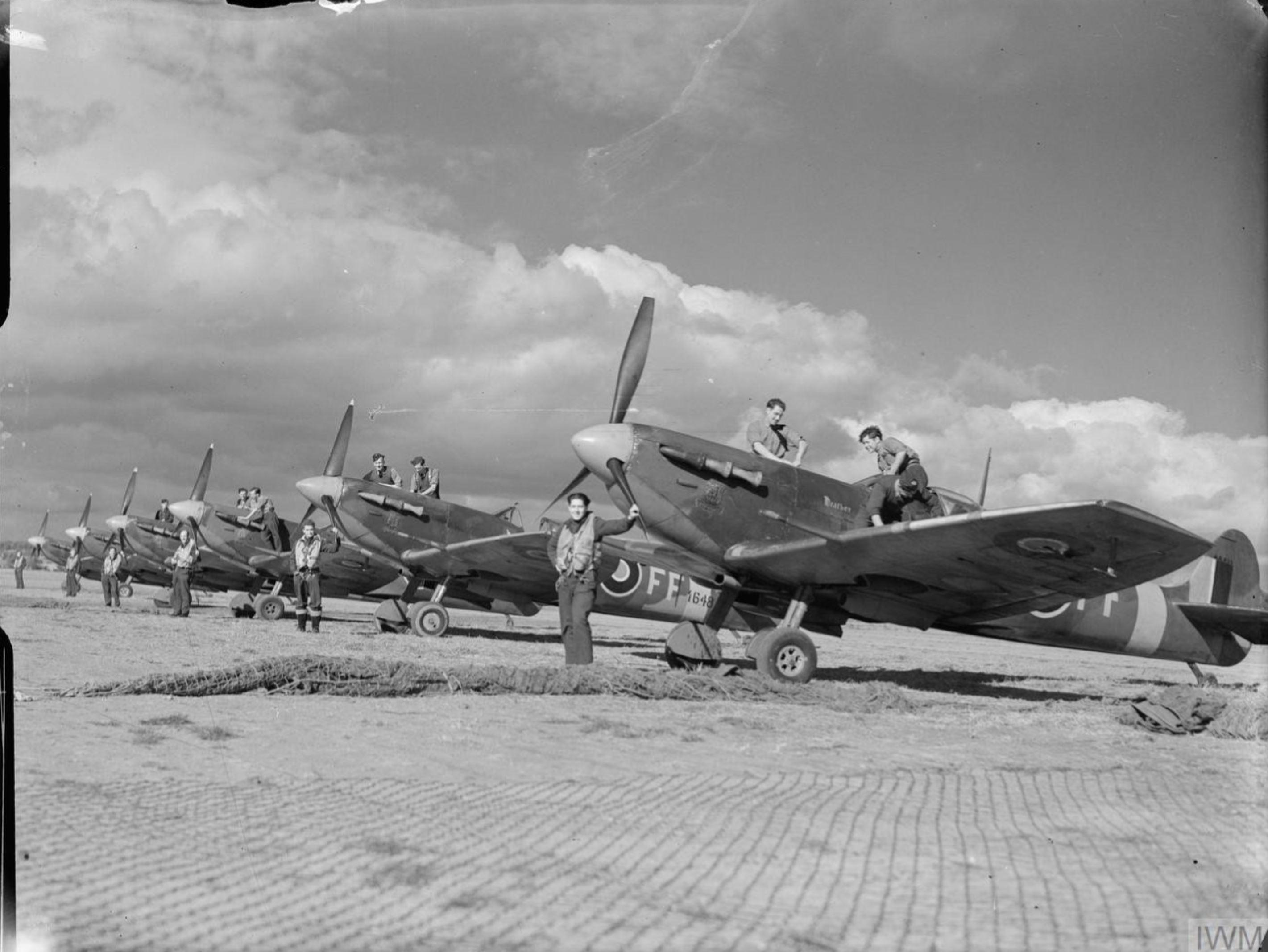 Spitfire MkVBs RAF 132Sqn lined up at Newchurch Kent IWM CH11473