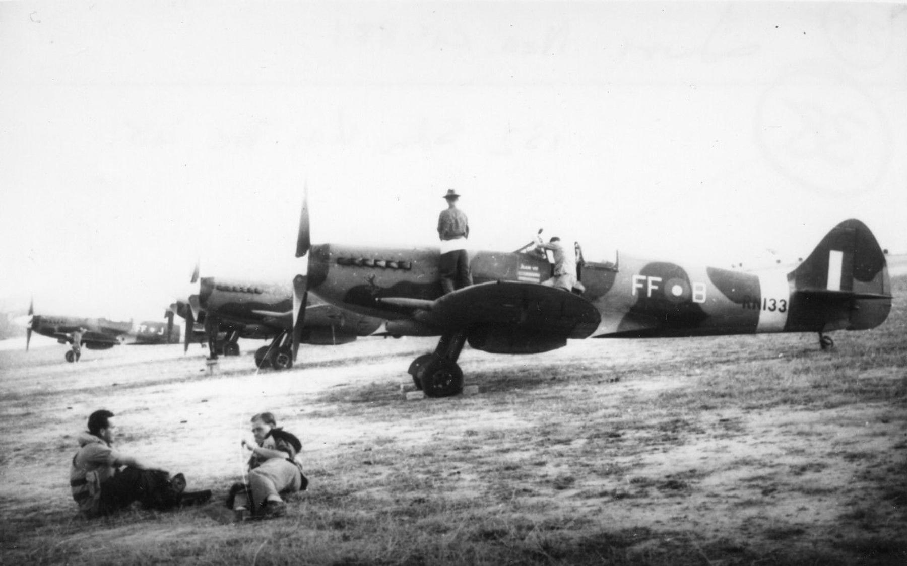 Spitfire XIV FFB RN133 Hong Kong 1945 02