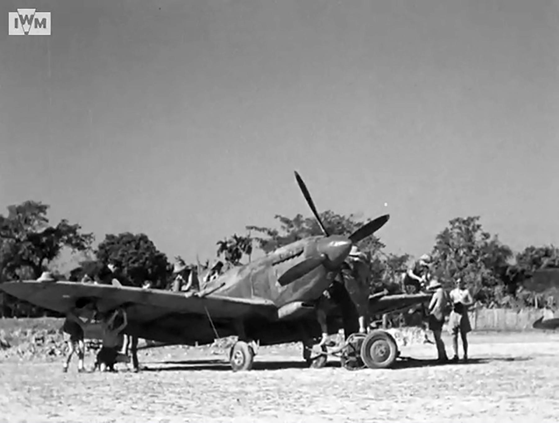Spitfire VIII RAF 136Sqn HM being prepared for take off from Rumkhapalong Bangladesh CBI 1944 IWM 01