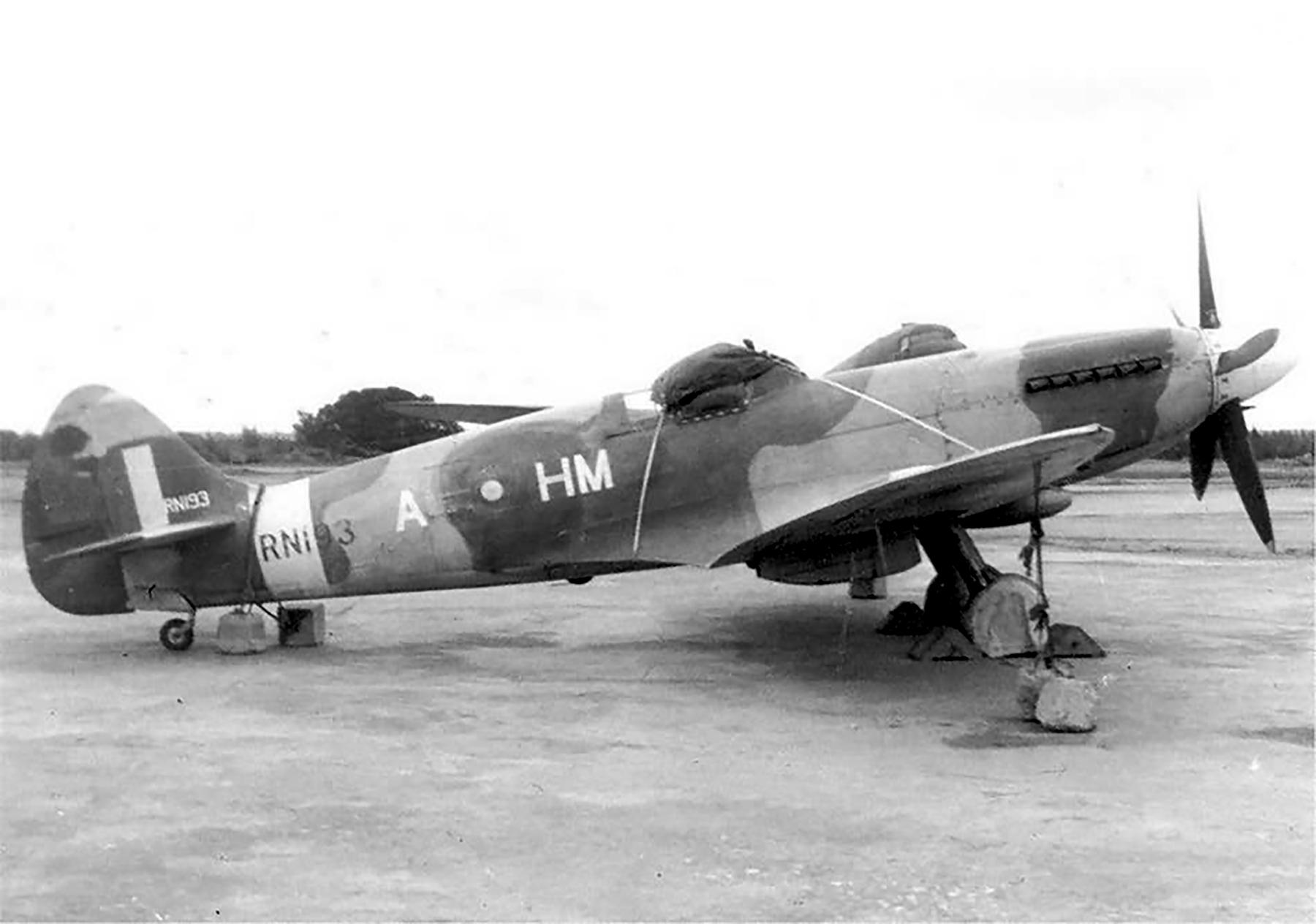 Spitfire XIV RAF 136Sqn HMA RN193 India 1946 47 web 01