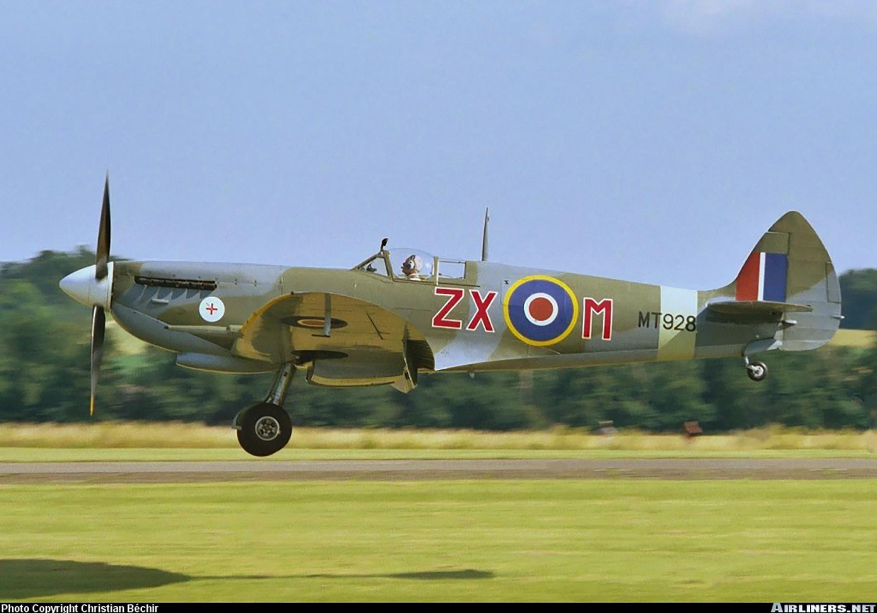 Airworthy Spitfire warbird MkVIII RAF 145Sqn ZXM MT928 01