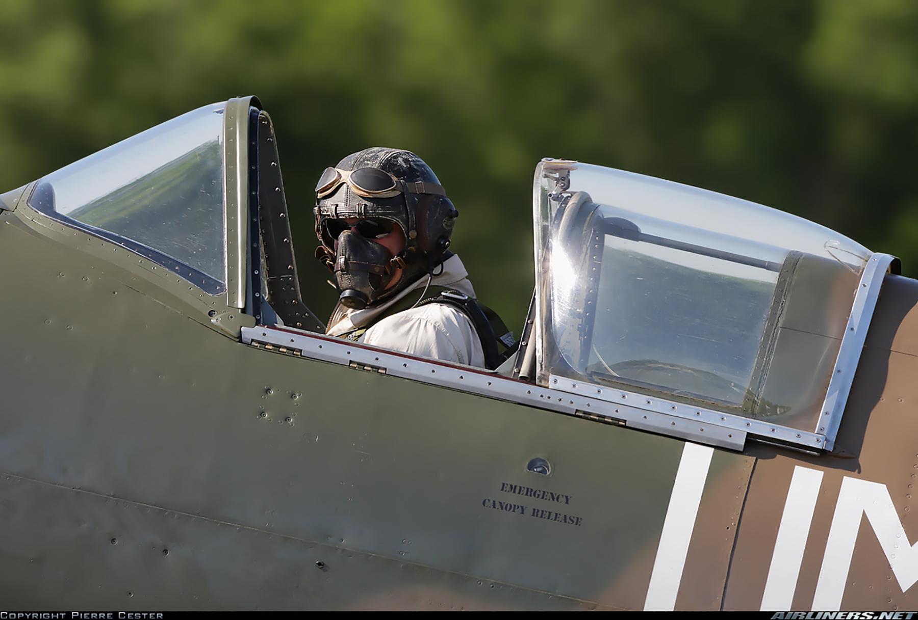 Airworthy Spitfire warbird PR19 PS890 as RAF 152Sqn UME 03