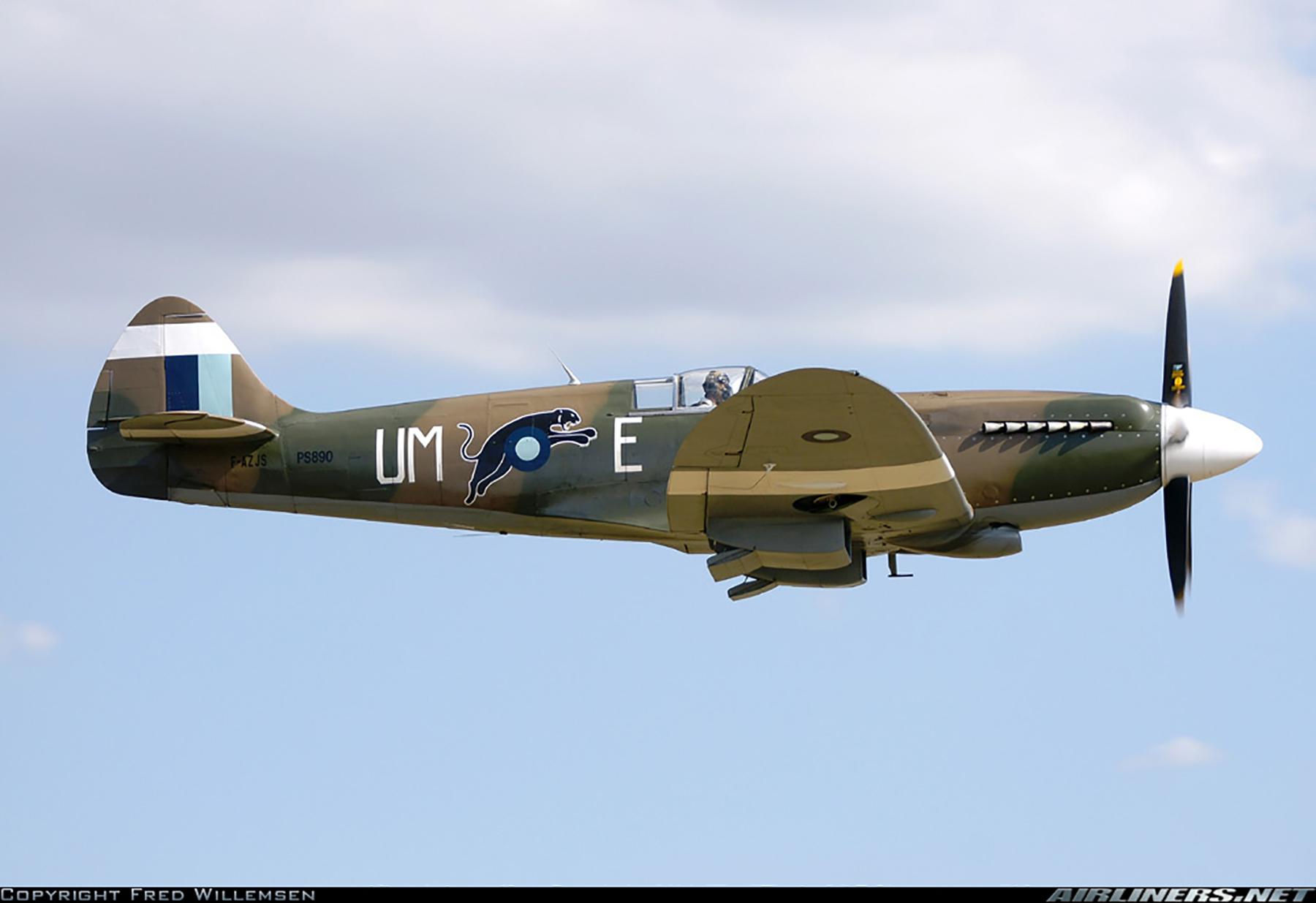 Airworthy Spitfire warbird PR19 PS890 as RAF 152Sqn UME 06